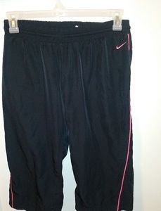 Black with Pink/Coral 🏃♀️ Nike Lined Capris Sz M